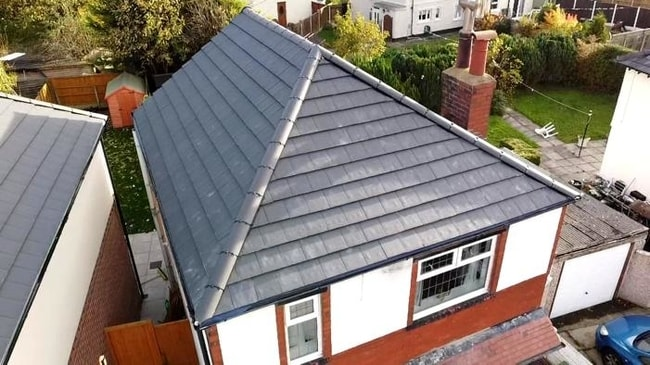 Local roofers Southport